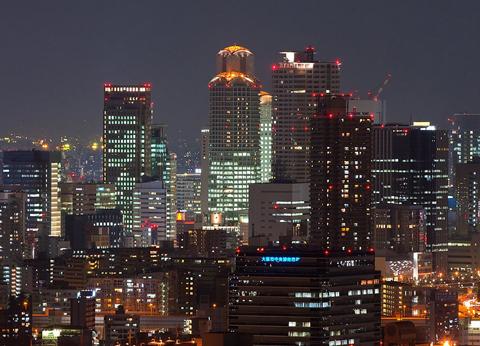 ロマンティックな高層ビルの夜景