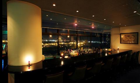 ホテルのバーからの夜景